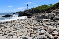 41-Rocky-Beach-at-Portland-Head-Light